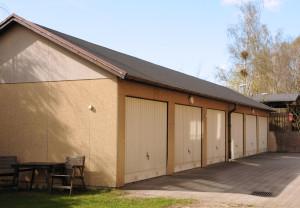 Möjlighet att hyra garage på innergården.
